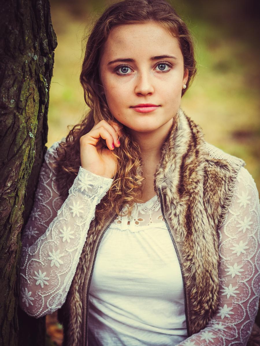 Olympus digital camera, Ulla Born, Ulla Born Fotografie, 1augenblick, outdoor, Portrait, Portraitfotografie, Wanderlust, Herbst, people, beauty, Naturschönheit, Fotoshoot, Wanderlust, Wald,